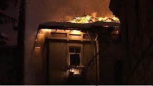 Stingerea incendiilor la poduri şi acoperiş
